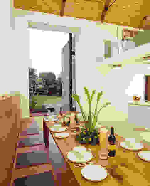La Concha Sala da pranzo in stile rustico di JAMIE FALLA ARCHITECTURE Rustico