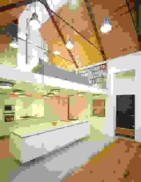 La Concha Cucina in stile rustico di JAMIE FALLA ARCHITECTURE Rustico