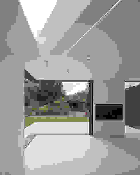Malbrook Road Modern windows & doors by IQ Glass UK Modern