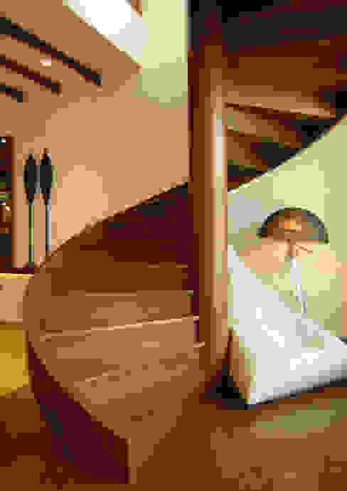 Old meets New Modern corridor, hallway & stairs by The Orange Lane Modern