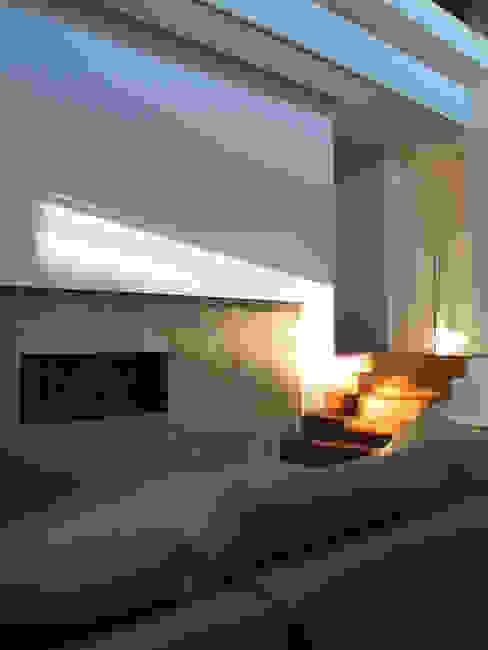 Casa Perlini Soggiorno moderno di matteo avaltroni Moderno