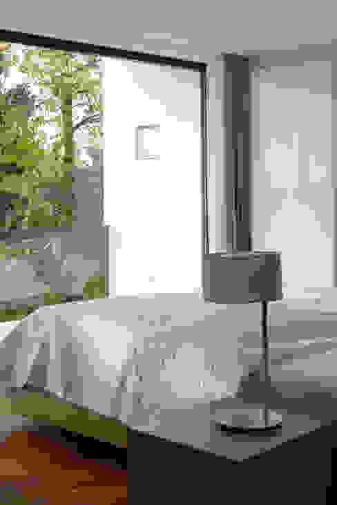 Villa in Freising Moderne Schlafzimmer von Herzog-Architektur Modern