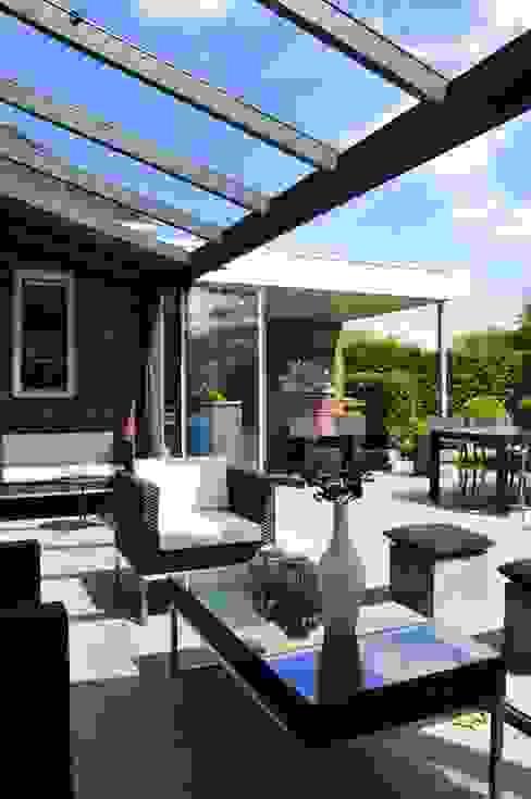 Pallazzo Veranda Casas de estilo moderno