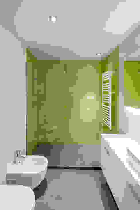 BAÑO Casas de estilo minimalista de Alex Gasca, architects. Minimalista