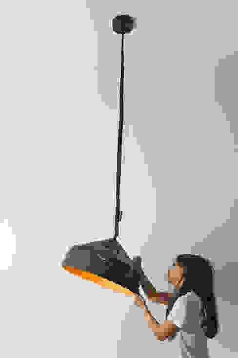Cyrcus lavagna di in-es.artdesign Moderno