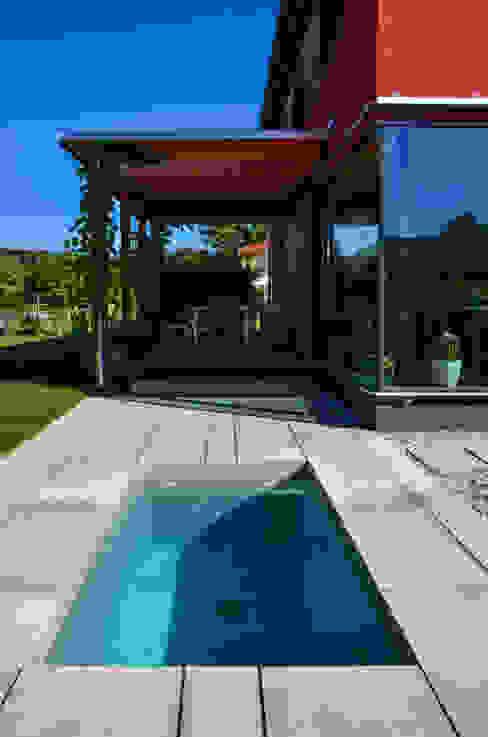 حدائق تنفيذ design@garten - Alfred Hart -  Design Gartenhaus und Balkonschraenke aus Augsburg