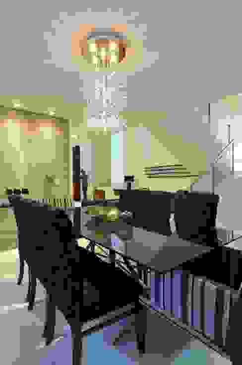 Modern dining room by Espaço Cypriana Pinheiro Modern