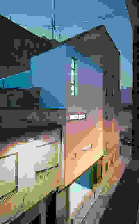 Case moderne di Rocamora Arquitectura Moderno