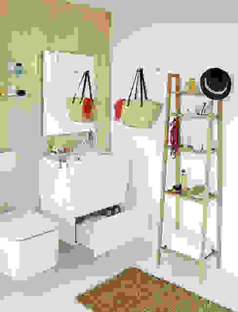 Salle de bain moderne par Sánchez Plá Moderne