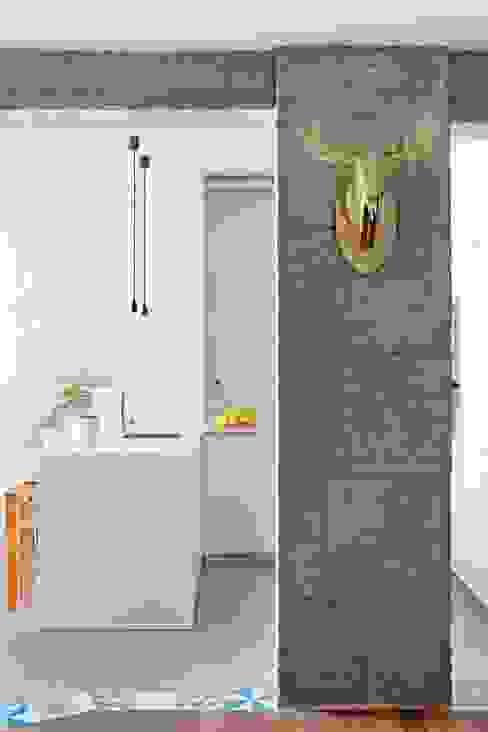 Transición entre cocina y salón Cocinas de estilo ecléctico de homify Ecléctico