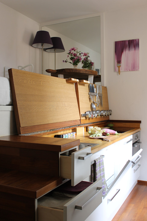 Cucina MIni Loft Cucina moderna di Arch. Silvana Citterio Moderno