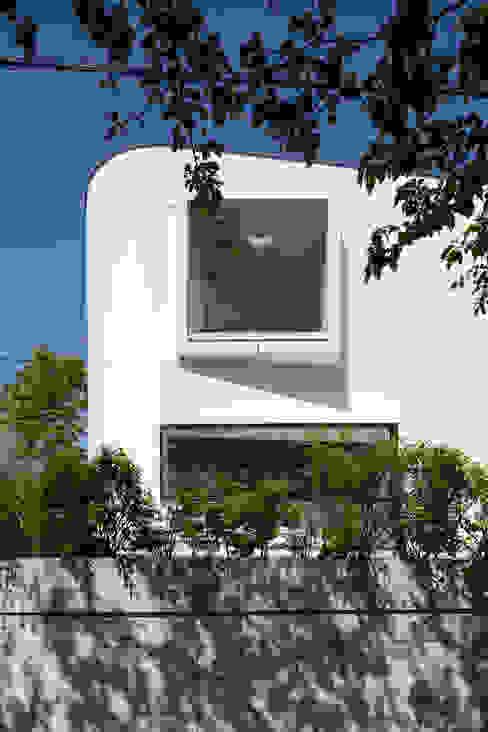 House for green,breeze and light Moderne Häuser von Yaita and Associaes Modern