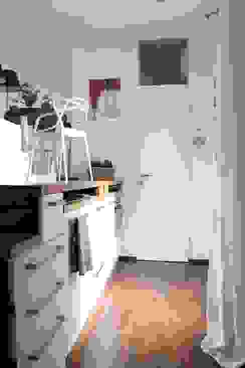 Mini Loft Cucina moderna di Arch. Silvana Citterio Moderno