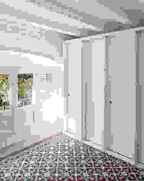 apartamento juan Casas de estilo moderno de vora Moderno