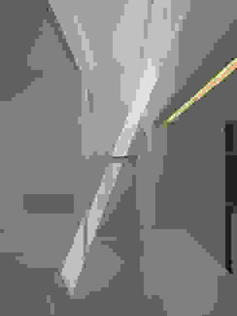 Moderne Häuser von D.I.G Architects Modern