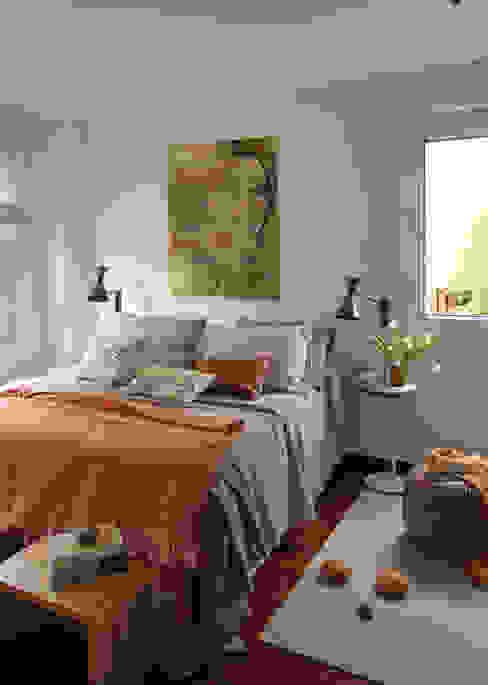 EG 4. Piso Barcelones Dormitorios de estilo escandinavo de BONBA studio Escandinavo
