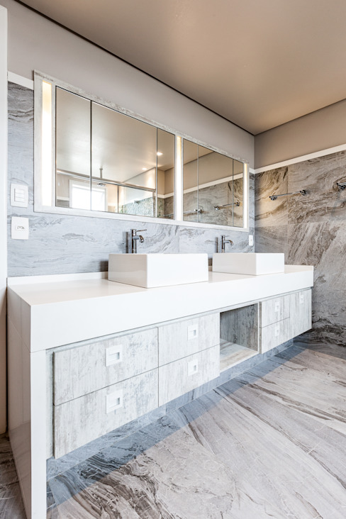 Bathroom by Tikkanen arquitetura, Modern