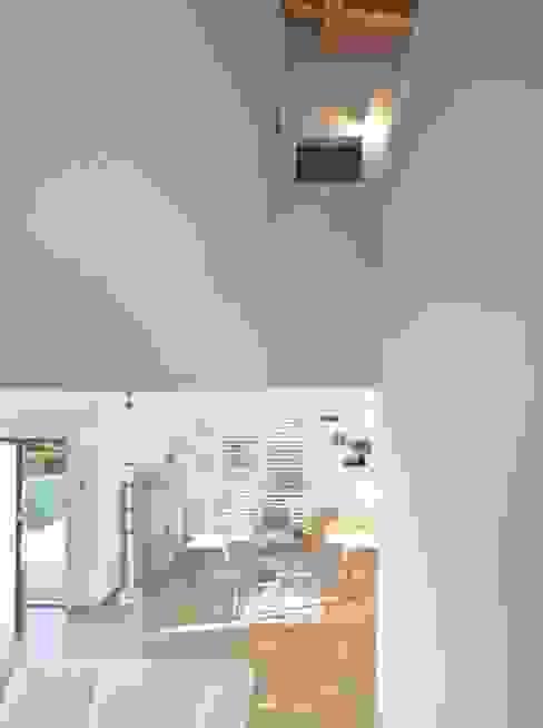 Moderne huizen van ARCStudio PERLINI Modern