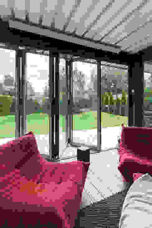 Banqueting house Kerimov Architects Балкон и терраса в стиле минимализм
