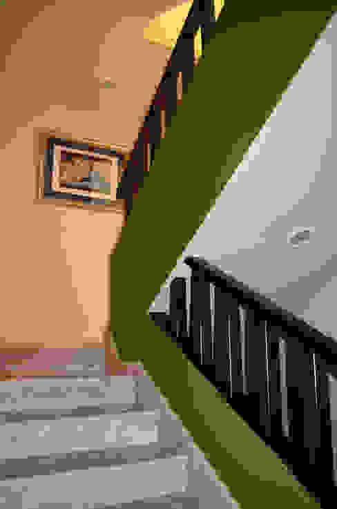 Erika Winters® Design 現代風玄關、走廊與階梯