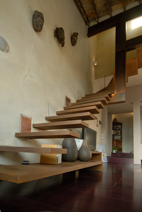 Corridor, hallway & stairs by Angelo Sabella Architetto,