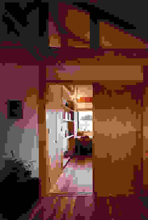 薪塀の家 内観 子供部屋 和風デザインの 子供部屋 の 東山明建築設計事務所 和風
