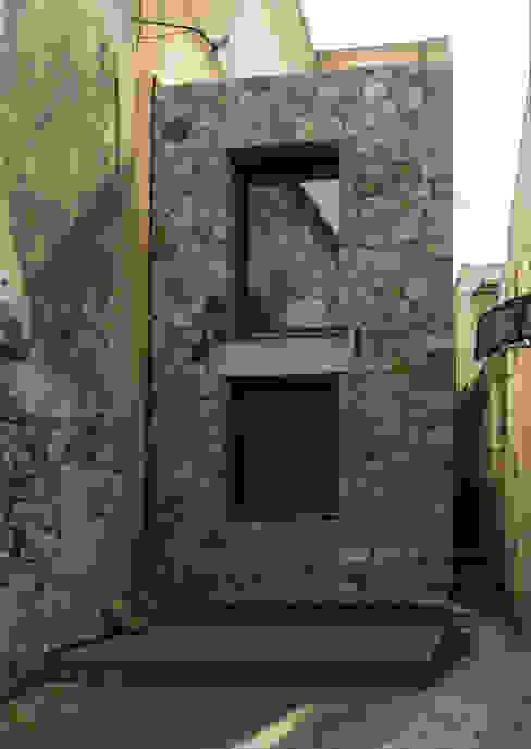 facciata principale casa O Case in stile mediterraneo di grecoarchitetture Mediterraneo