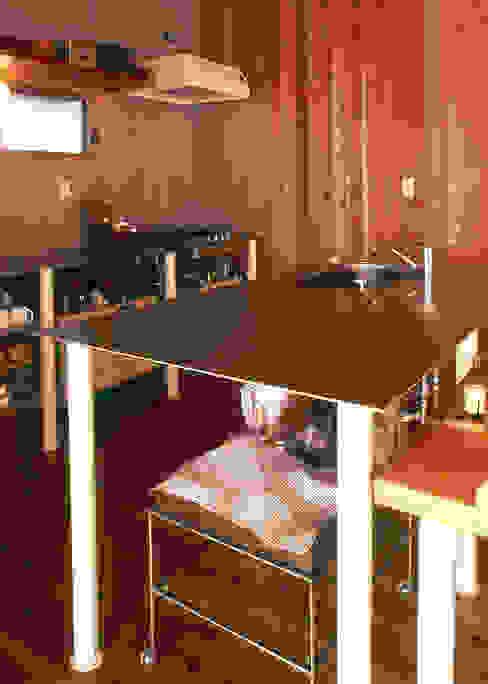 キッチンスペース: 稲吉建築企画室が手掛けたキッチンです。,オリジナル
