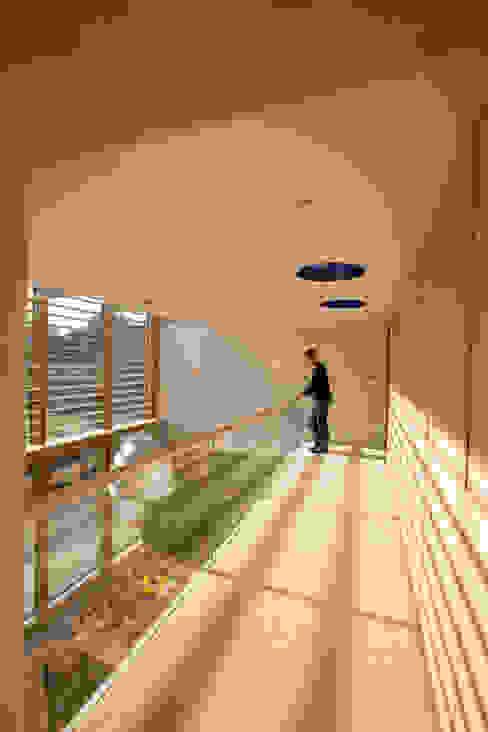 Le Camptrehard JAMIE FALLA ARCHITECTURE Rustieke gangen, hallen & trappenhuizen