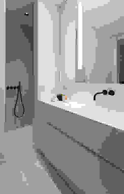 Habitation Privée Vieux-Lille Salle de bain moderne par mayelle architecture intérieur design Moderne