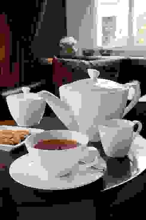 Pure Large Tea/Coffee Pot di Belleek Living Moderno