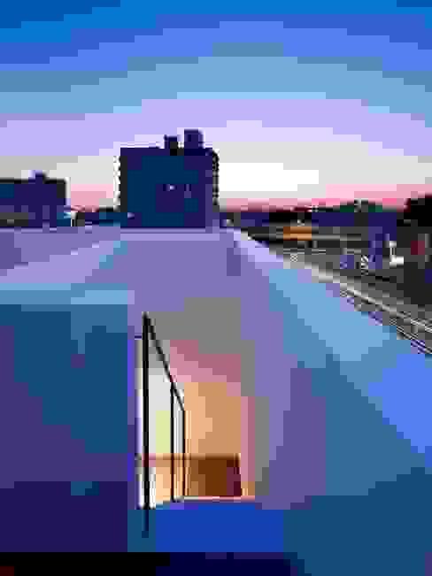 青戸の住宅: ハイランドデザイン一級建築士事務所が手掛けたテラス・ベランダです。