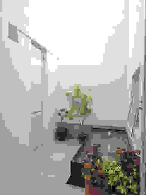 Abraham Cota Paredes Arquitecto Modern garden