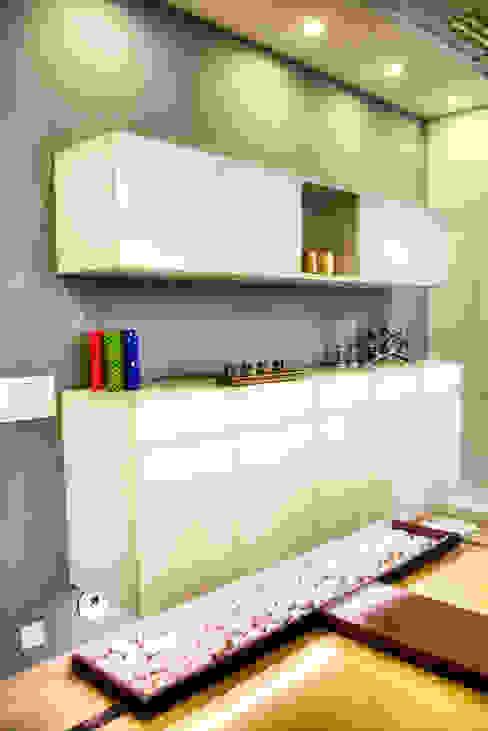 Cabinet Minimalist houses by Studio An-V-Thot Architects Pvt. Ltd. Minimalist
