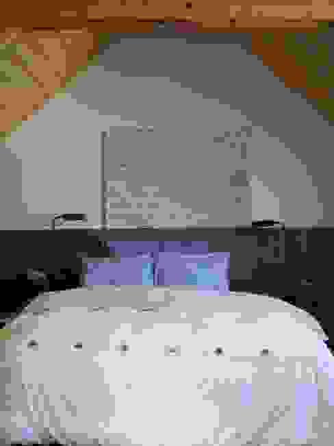 Bedroom Nowoczesna sypialnia od tredup Design.Interiors Nowoczesny