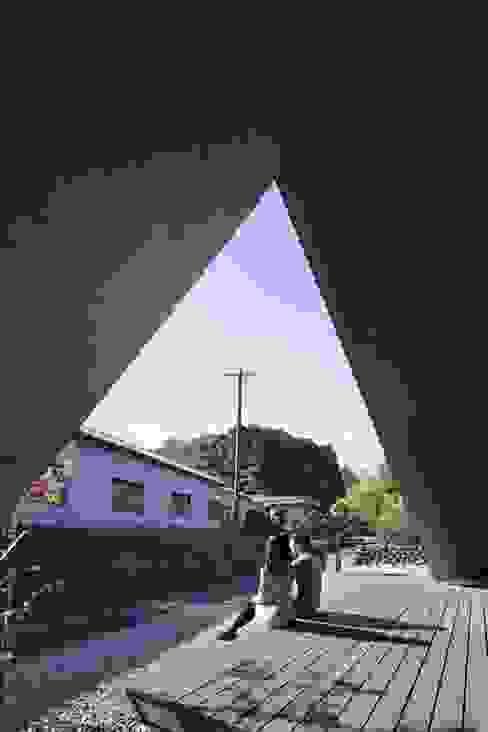 ORIGAMI: TSC Architectsが手掛けた家です。,モダン