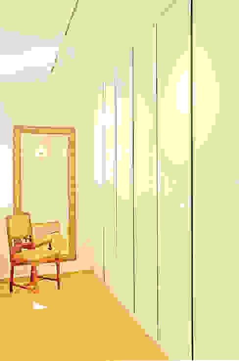 """""""MAX-Haus Design S"""" Moderne Ankleidezimmer von MAX-Haus GmbH Modern"""