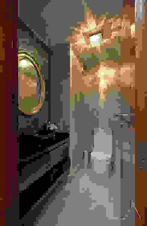 Phòng tắm by VOILÀ Pte Ltd
