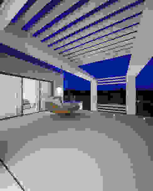 Golfe Leste - Lote n.º 15 - Quinta do Lago: Casas  por JSH Algarve – Arquitectura,