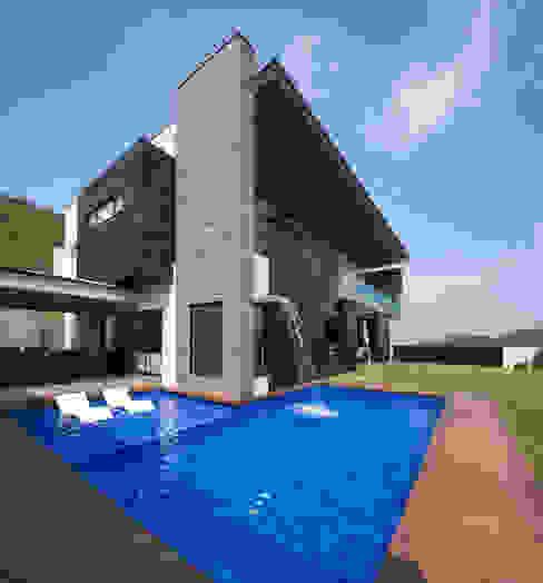 Área de jardin/alberca Casas modernas de URBN Moderno