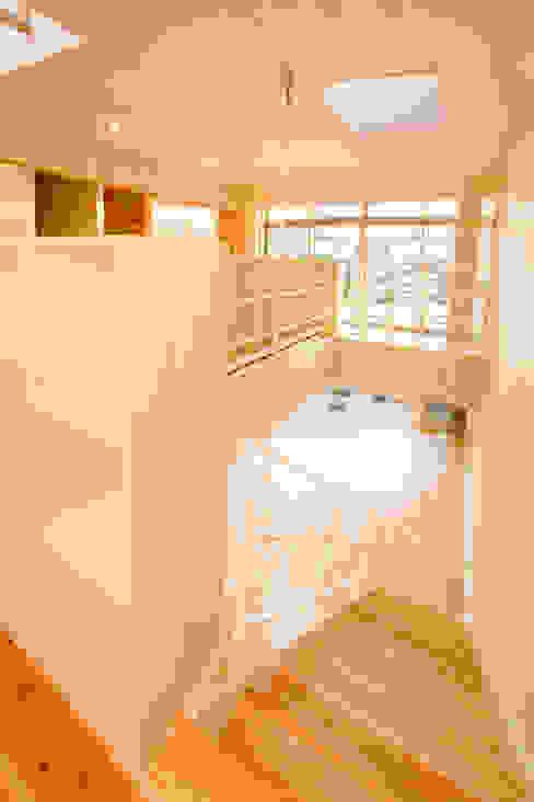 階段 松下建築設計 一級建築士事務所/Matsushita Architects オリジナルスタイルの 玄関&廊下&階段