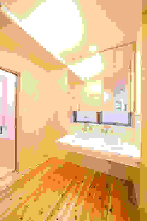 オリジナル洗面化粧台: 松下建築設計 一級建築士事務所/Matsushita Architectsが手掛けた折衷的なです。,オリジナル