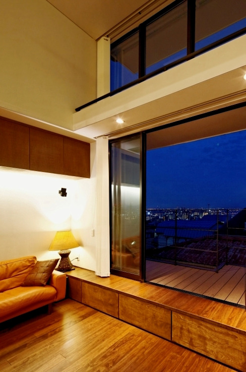 Ruang Keluarga Gaya Asia Oleh eu建築設計 Asia