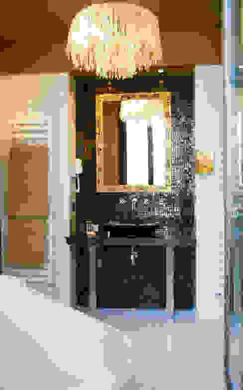 Baño de habitación Hoteles de estilo clásico de ARQUIGESTIÓN ARAGÓN S.L.P. Clásico