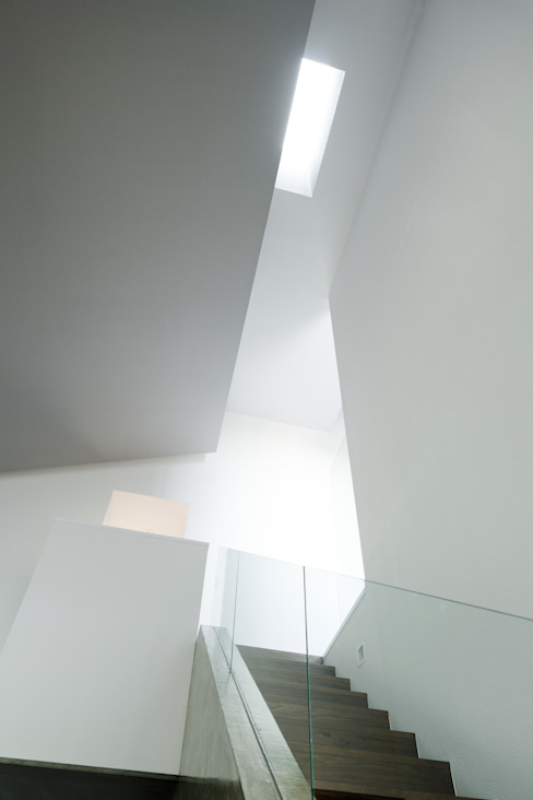House of Representation 모던스타일 복도, 현관 & 계단 by Form / Koichi Kimura Architects 모던