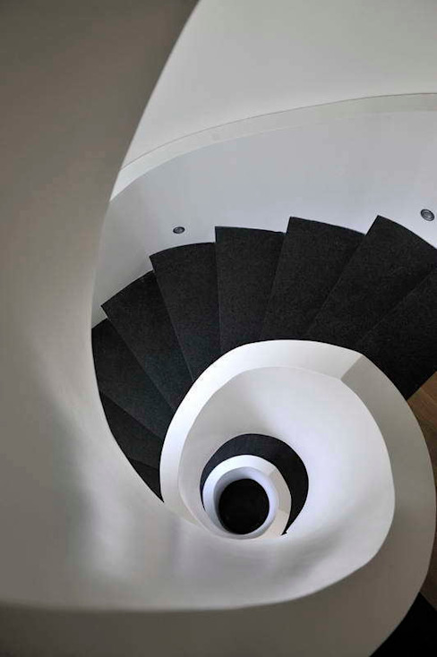 EK HOUSE SAKLIKORU Corredores, halls e escadas modernos por Esra Kazmirci Mimarlik Moderno