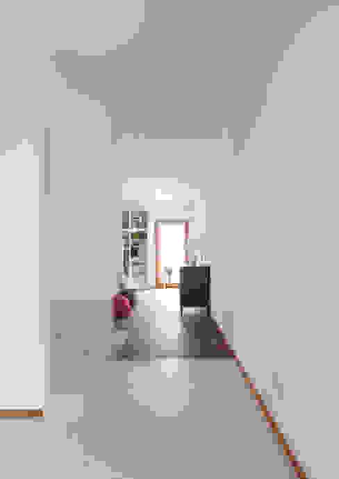 Casa Dsas Case moderne di Alessandro Verona Studio Moderno