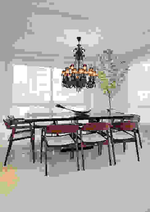 Ruang Makan oleh Link Interiores