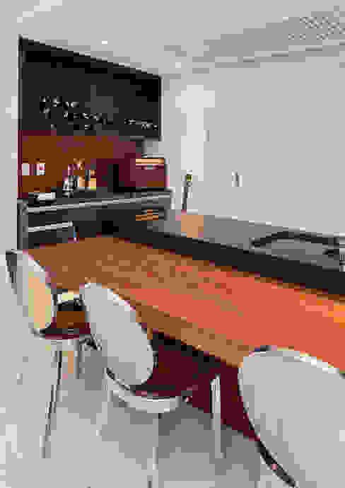 Projekty,  Kuchnia zaprojektowane przez Link Interiores, Nowoczesny