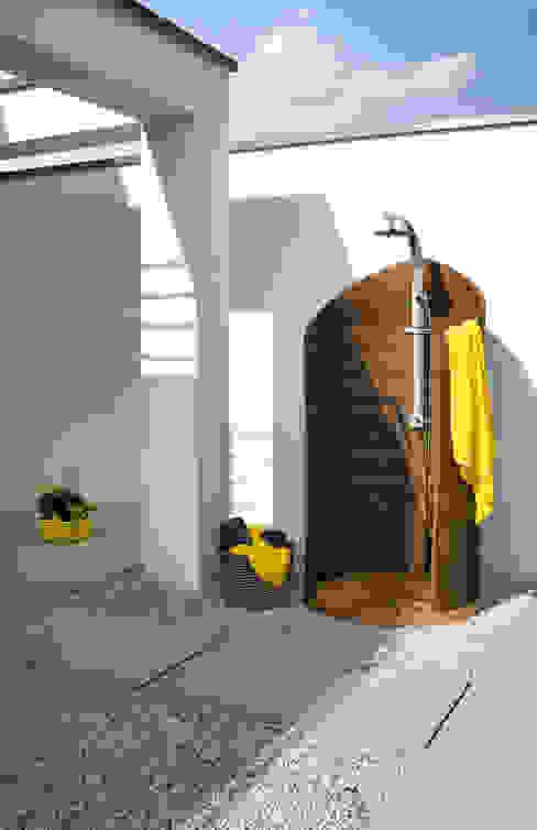 7 geniale Outdoor-Duschen, die wirklich in jeden Garten passen